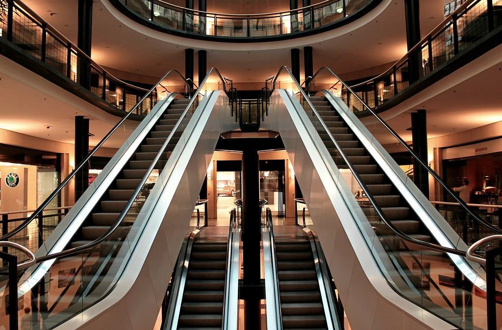 escalator 283448 1920 - USE CASES